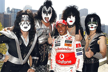 kiss Kiss é o grupo campeão mundial em lotar estádios