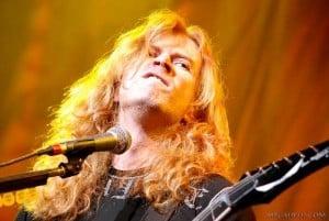Dave Mustaine manda muito